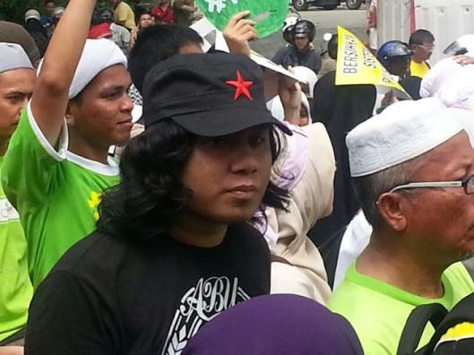 Komunis Cap