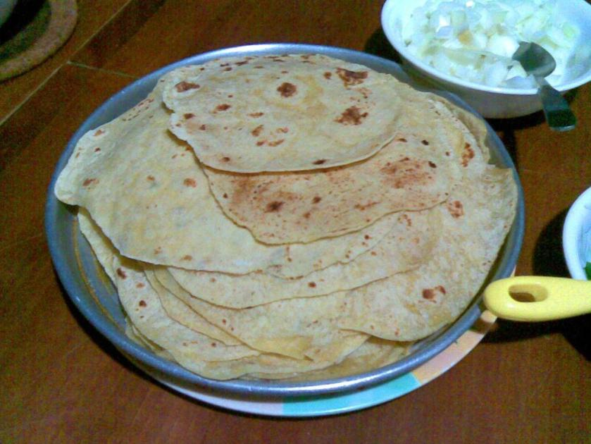 The Tortillas are ready... The colour of the tortillas may vary. It depends on the type of the cornmeal. The tortillas in the picture  are the first few tortillas that we made. We tried a different brand later and the colour of the tortillas were 'yellower'.