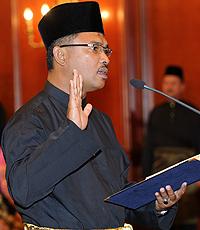 Ketua Menteri Melaka, Datuk Idris Haron