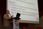 A. Karim Omar delivering his presentation during the  Wacana Agenda Kristian Se Dunia: Rujukan Khas Malaysia at the Dewan Muktamar, Pusat Islam.