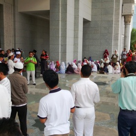 Reciting our prayers to pray that our side will win at the Palace of Justice on the 22/8/2013.