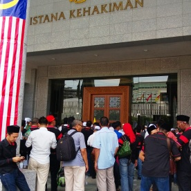 A fraction of the crowd who attended the assembly at the Palace of Justice on the 22/8/2013.
