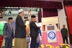 Tan Sri Muhyiddin Yassin launching MUAFAKAT's latest book during the Wacana Pencerahan Tasawwur Ahli As-Sunnah Wa Al-Jama'ah.