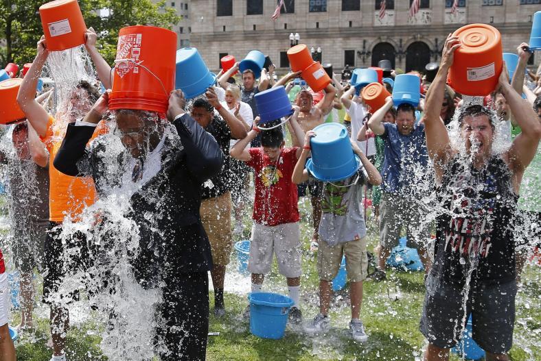 ALS Ice Bucket Challenge-America