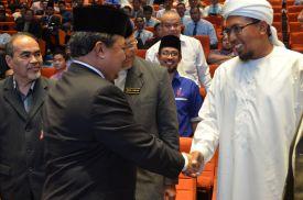 Malaysian minister of Islamic Affairs, YB Mejar Jeneral (B) Dato' Seri Jamil Khir Baharom leaving the Wacana Liberalisme: Agenda Jahat Illuminati, Kompleks Islam Putrajaya, 17th January 2017.